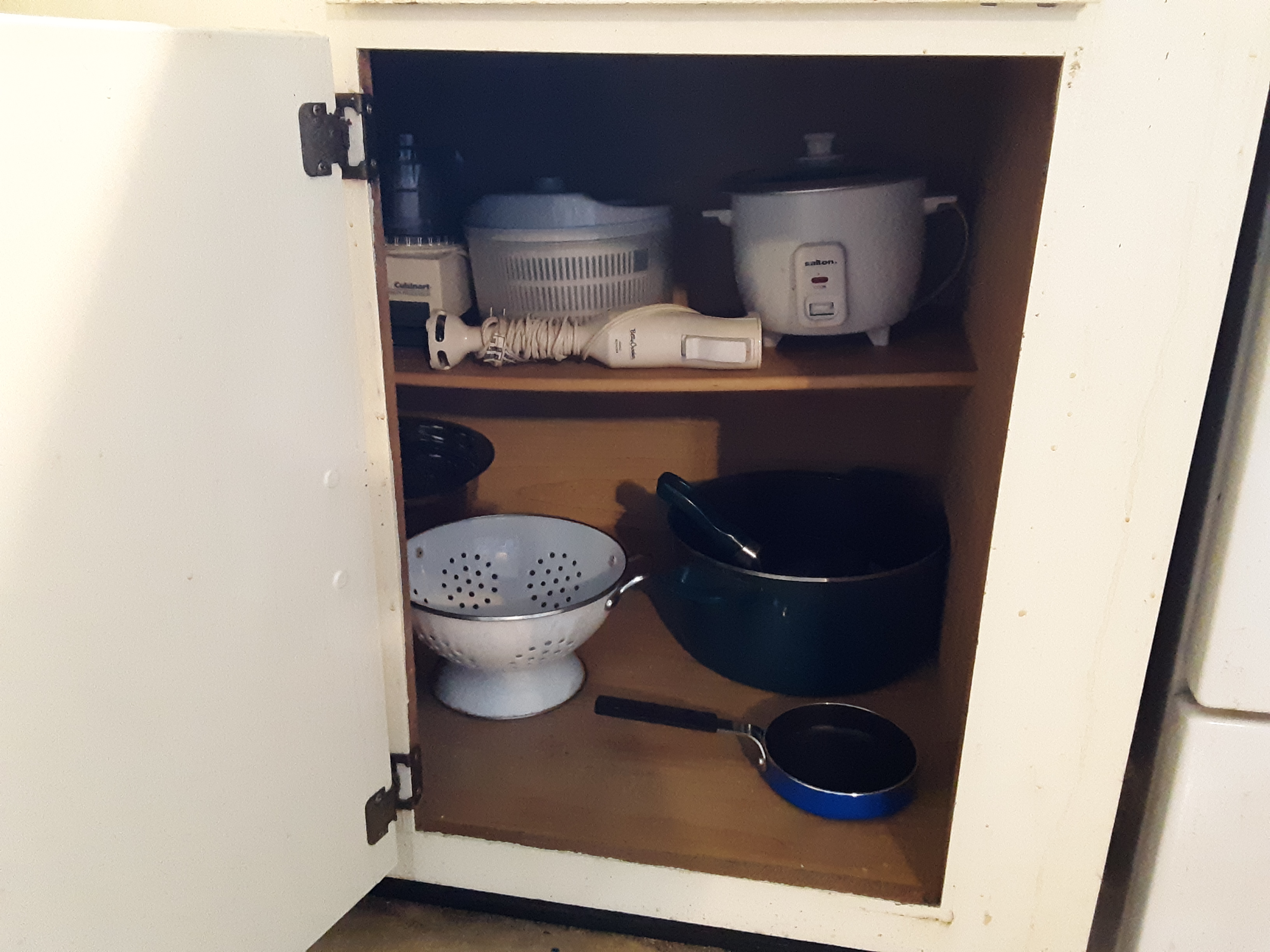 That same cupboard, free of clutter!
